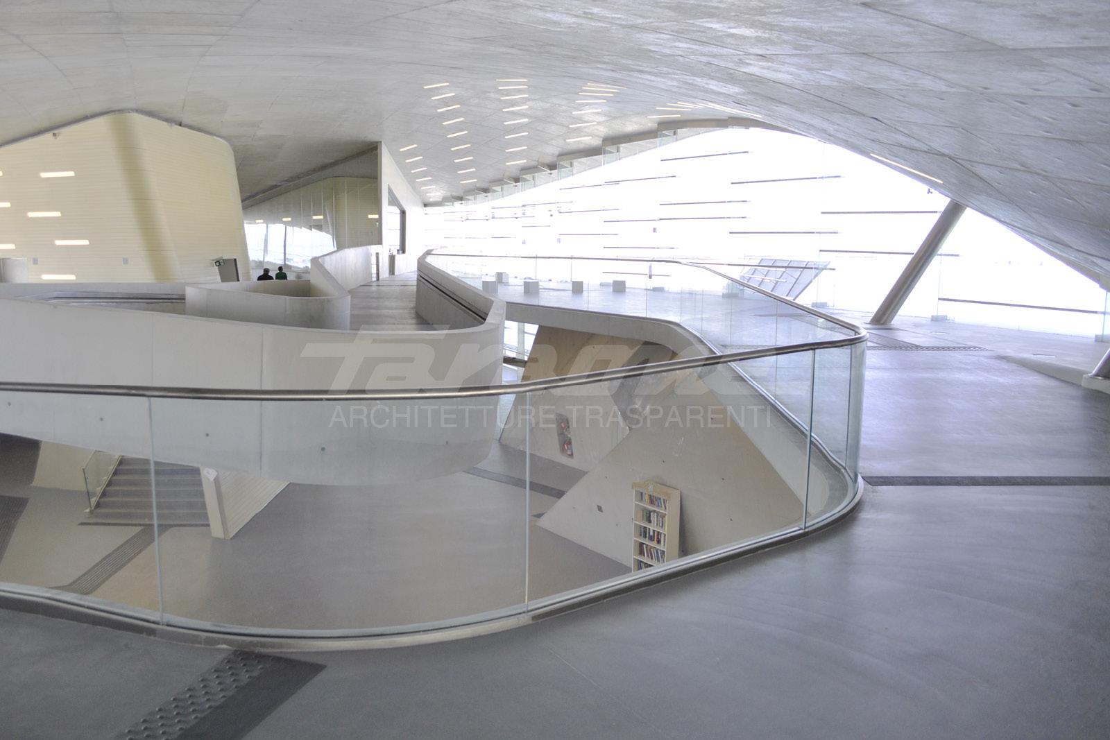 Parapetti Balaustre Ninfa alluminio vetro Stazione marittima Salerno