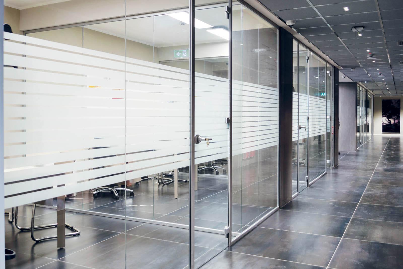 divisori e porte integrate in vetro Spazio - Marano di Napoli