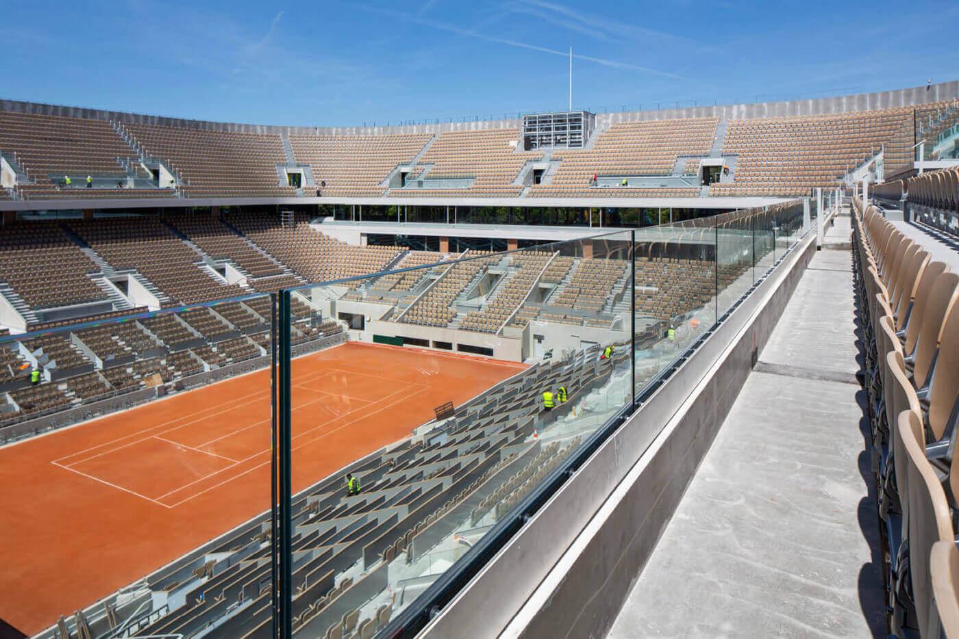 Stadio Roland Garros - Balaustra in alluminio e Vetro Ninfa